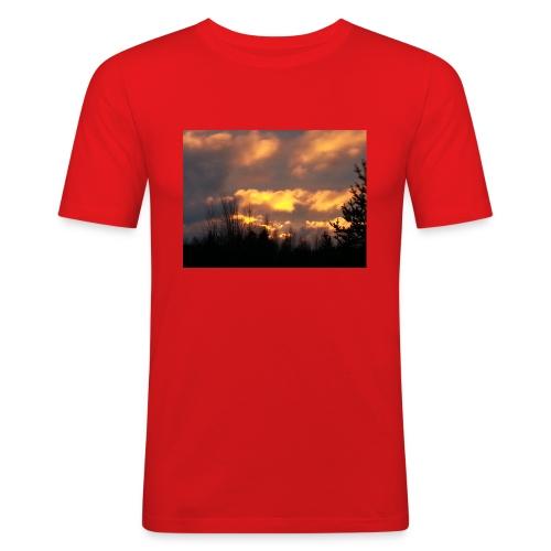 Iltarusko - Miesten tyköistuva t-paita