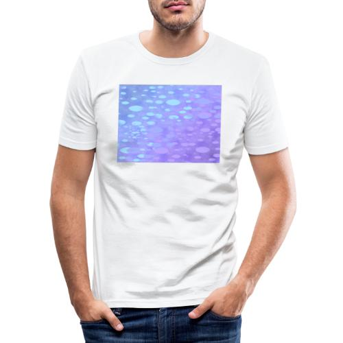 wassertropfen in der regenbogenpfütze - Männer Slim Fit T-Shirt