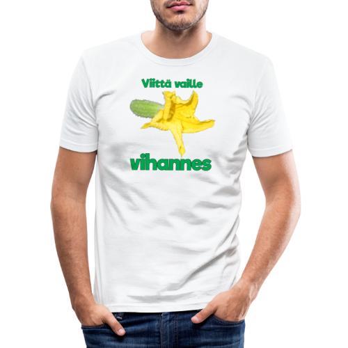 Viittä vaille vihannes, avomaankurkku - Miesten tyköistuva t-paita