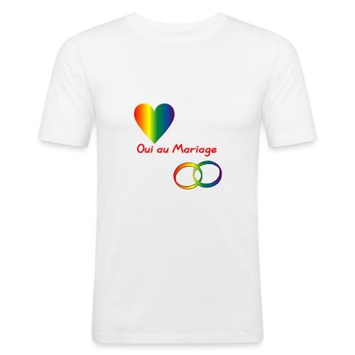 Oui au mariage gay avec coeur et anneaux couleurs - T-shirt près du corps Homme