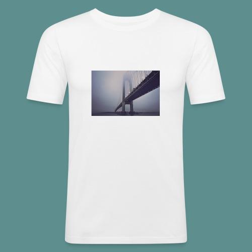 suspension bridge - Mannen slim fit T-shirt