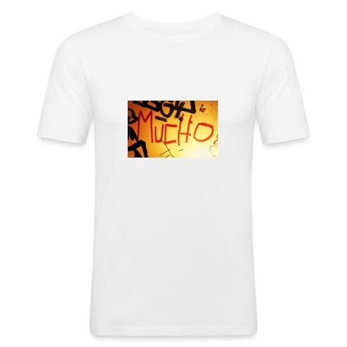 Mucho - Männer Slim Fit T-Shirt