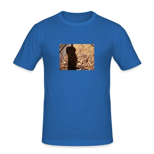THE GREEN MAN IS MADE OF AUTUMN LEAVES - Men's Slim Fit T-Shirt
