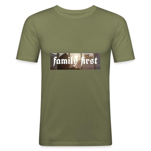 Family First Sunrise Box Logo - Männer Slim Fit T-Shirt