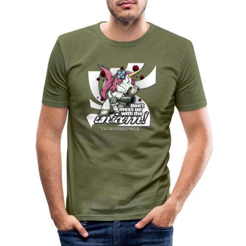 Don't mess up with the unicorn - Männer Slim Fit T-Shirt