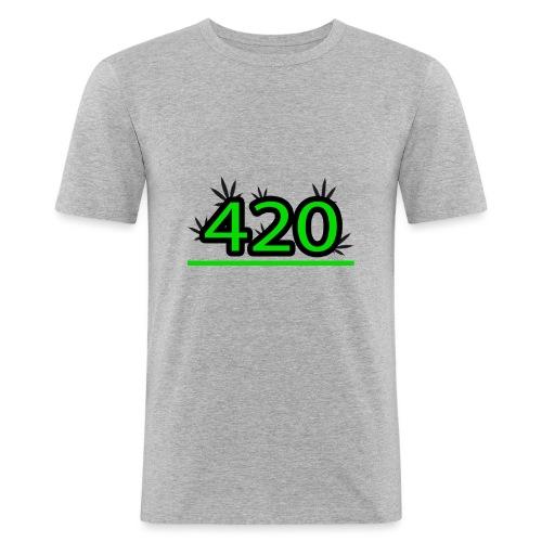420 - T-shirt près du corps Homme