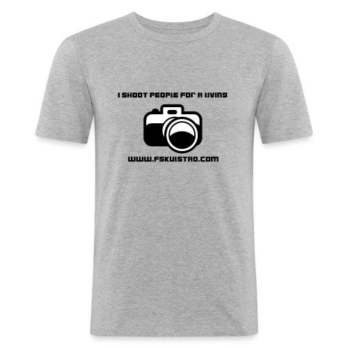 ishootpeopleforaliving_2-png - Slim Fit T-skjorte for menn