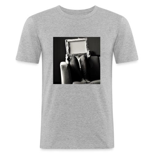 Board - Miesten tyköistuva t-paita