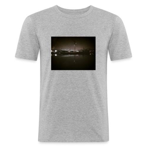 Dark Water View - T-shirt près du corps Homme