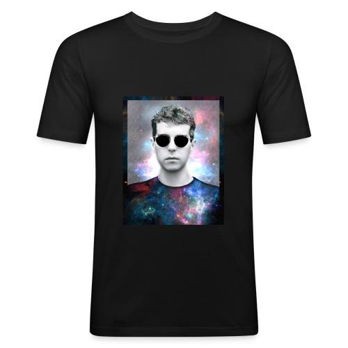 4735a435 53f2 44f6 ab61 fb0d54a50c20 - Camiseta ajustada hombre