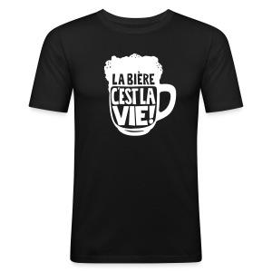 bière, la bière c'est la vie - Tee shirt près du corps Homme