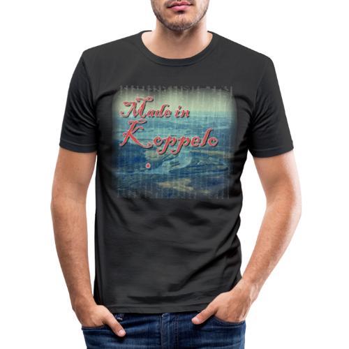 Made in Koppelo lippis - Miesten tyköistuva t-paita