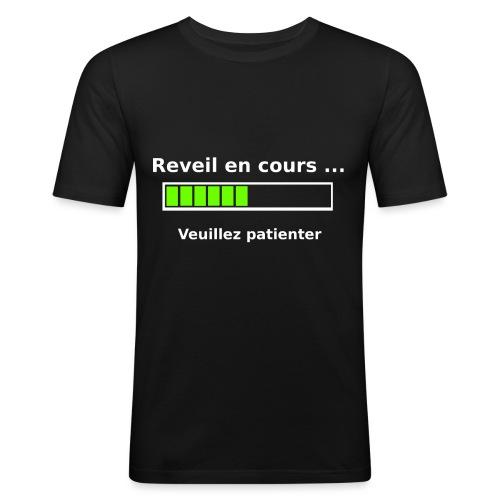 tendance réveil en cours veuillez patienter - T-shirt près du corps Homme