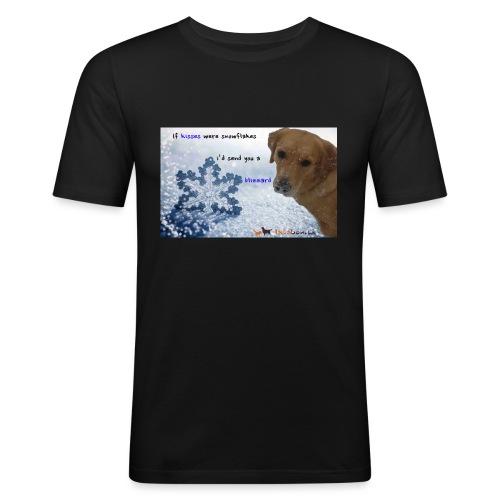 Golden Retriever tra i fiocchi di neve - Maglietta aderente da uomo
