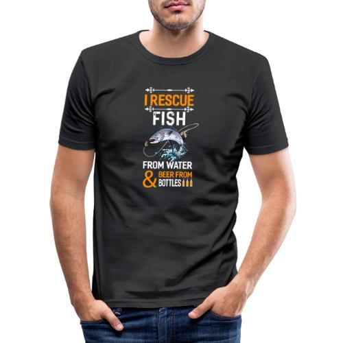 I rescue fish from water beer from bottles - Männer Slim Fit T-Shirt