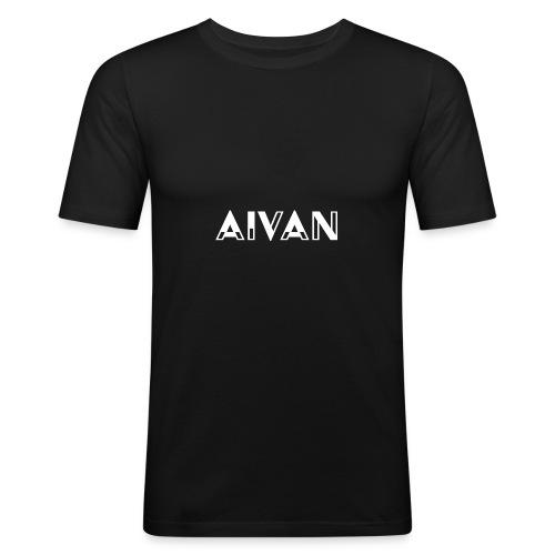 Aivan - Valkoinen teksti - Miesten tyköistuva t-paita