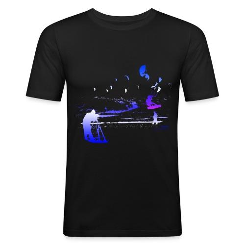 Cameraman Kitesurfing blue-white - Männer Slim Fit T-Shirt