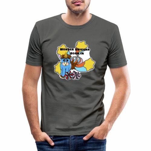 Une merveilleuse licorne est née (pour garcon) - T-shirt près du corps Homme