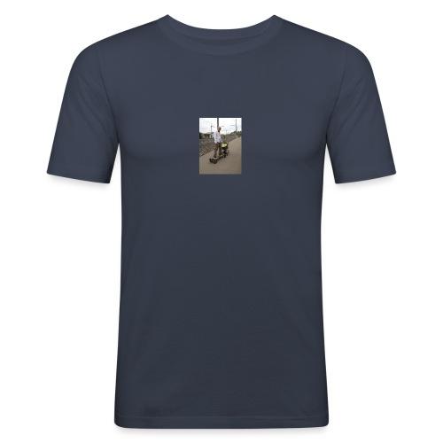 New E Skateboard Style - Männer Slim Fit T-Shirt