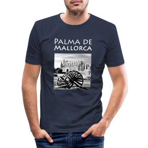 Palma de Mallorca mit Cathedrale Heiligen Maria - Männer Slim Fit T-Shirt