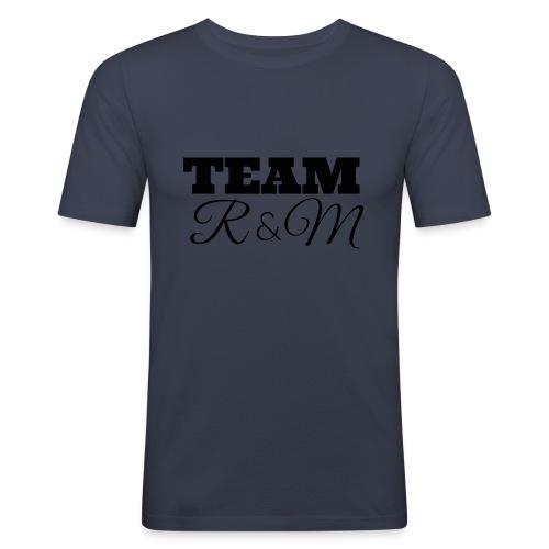 Snapback team r&m - Men's Slim Fit T-Shirt