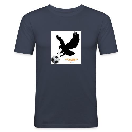 Aguila norteamericana con balón de fútbol - Camiseta ajustada hombre