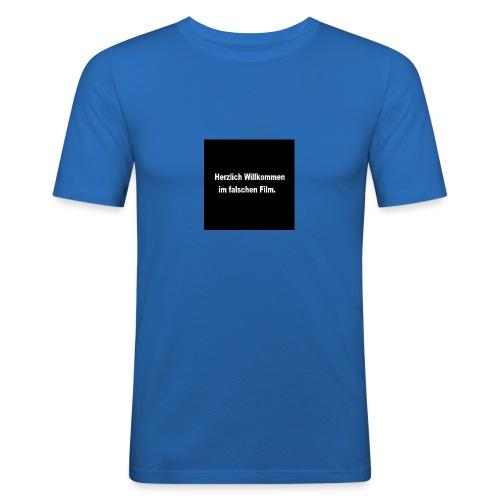 Willkommen im Falschen Film - Männer Slim Fit T-Shirt