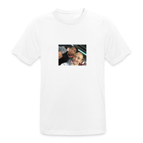 a pic with youtuber - Men's Breathable T-Shirt