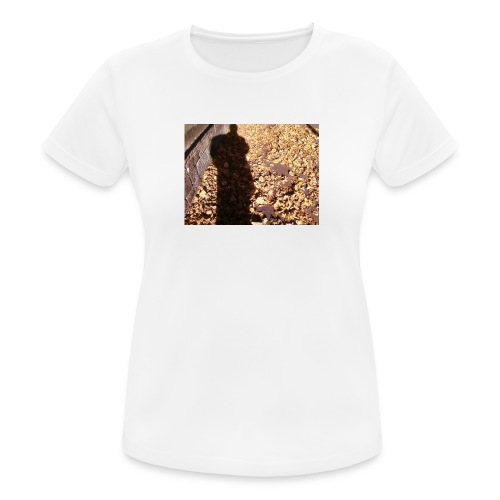 THE GREEN MAN IS MADE OF AUTUMN LEAVES - Women's Breathable T-Shirt