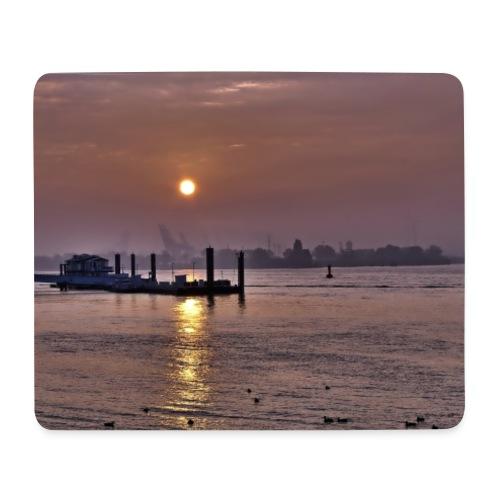 Sonnenaufgang im Hamburger Hafen - Mousepad (Querformat)