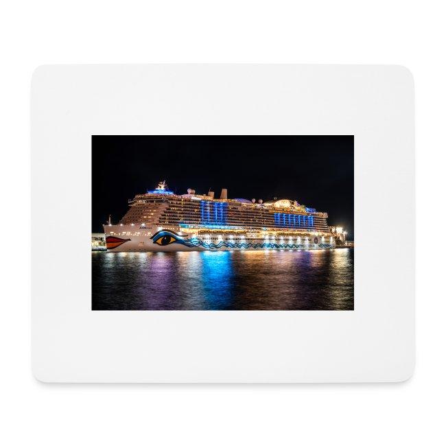 Nova-Schiff auf Madeira (Nacht) by Grubergrafie