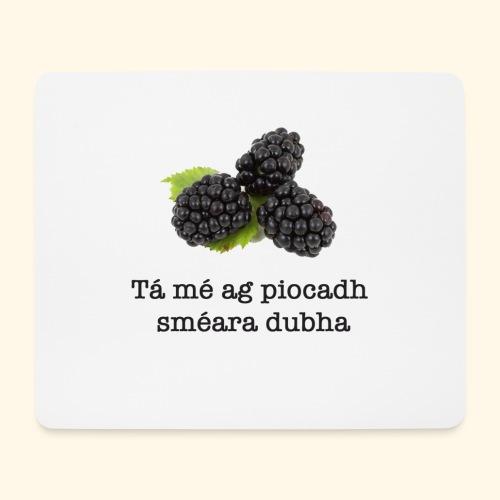 Picking blackberries - Mouse Pad (horizontal)